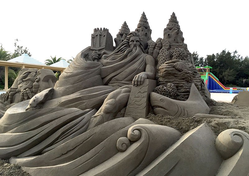 sand sculptures by toshihiko hosaka 7 Toshihiko Hosaka Creates Incredible Things Out of Sand