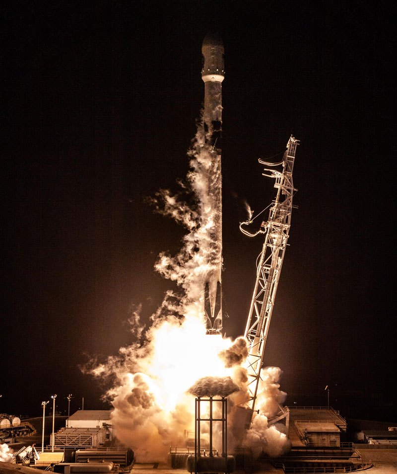 best photos vids and timelapses from spacex launch over la 10 The Best Photos, Videos, and Timelapses from SpaceXs Launch Over LA