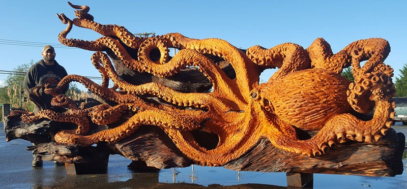 octopus carved from fallen redwood by jeffrey michael samudosky 3 Artist Transforms Fallen Redwood Into Giant Octopus (15 Photos)