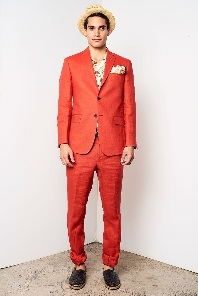 How to Wear a Bright-Coloured Suit in 2018