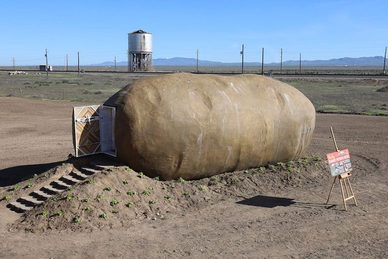 giant potato hotel airbnb idaho 2 Breaking: You Can Finally Spend a Night Inside a Giant Potato
