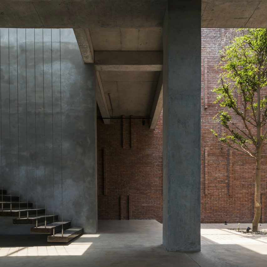 Star Engineers Factory and Administrative Building by Studio VDGA