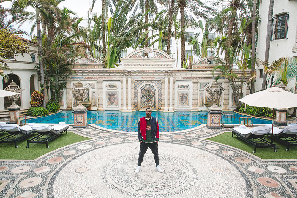 Kith bergdorf goodman go to the versace mansion for fall for Versace pool design