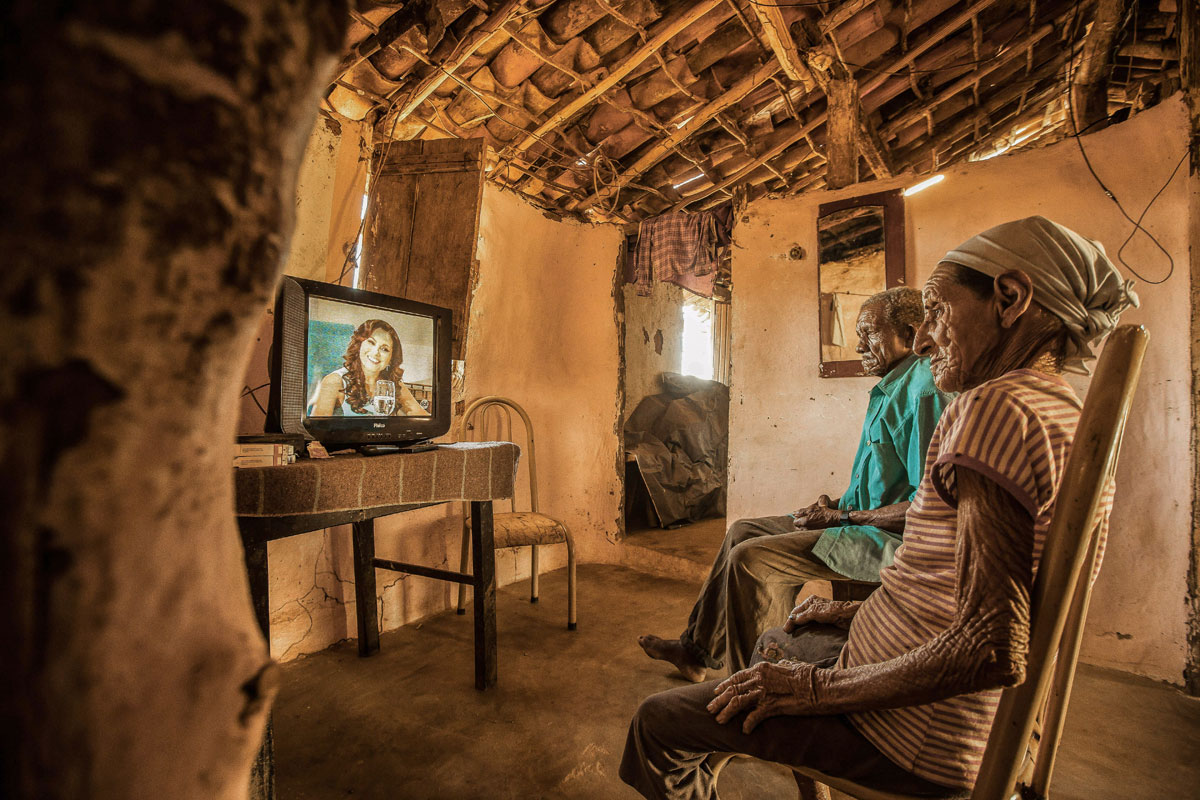 people credit alisson gontijo Amazing Highlights from Smithsonians 14th Annual Photo Contest
