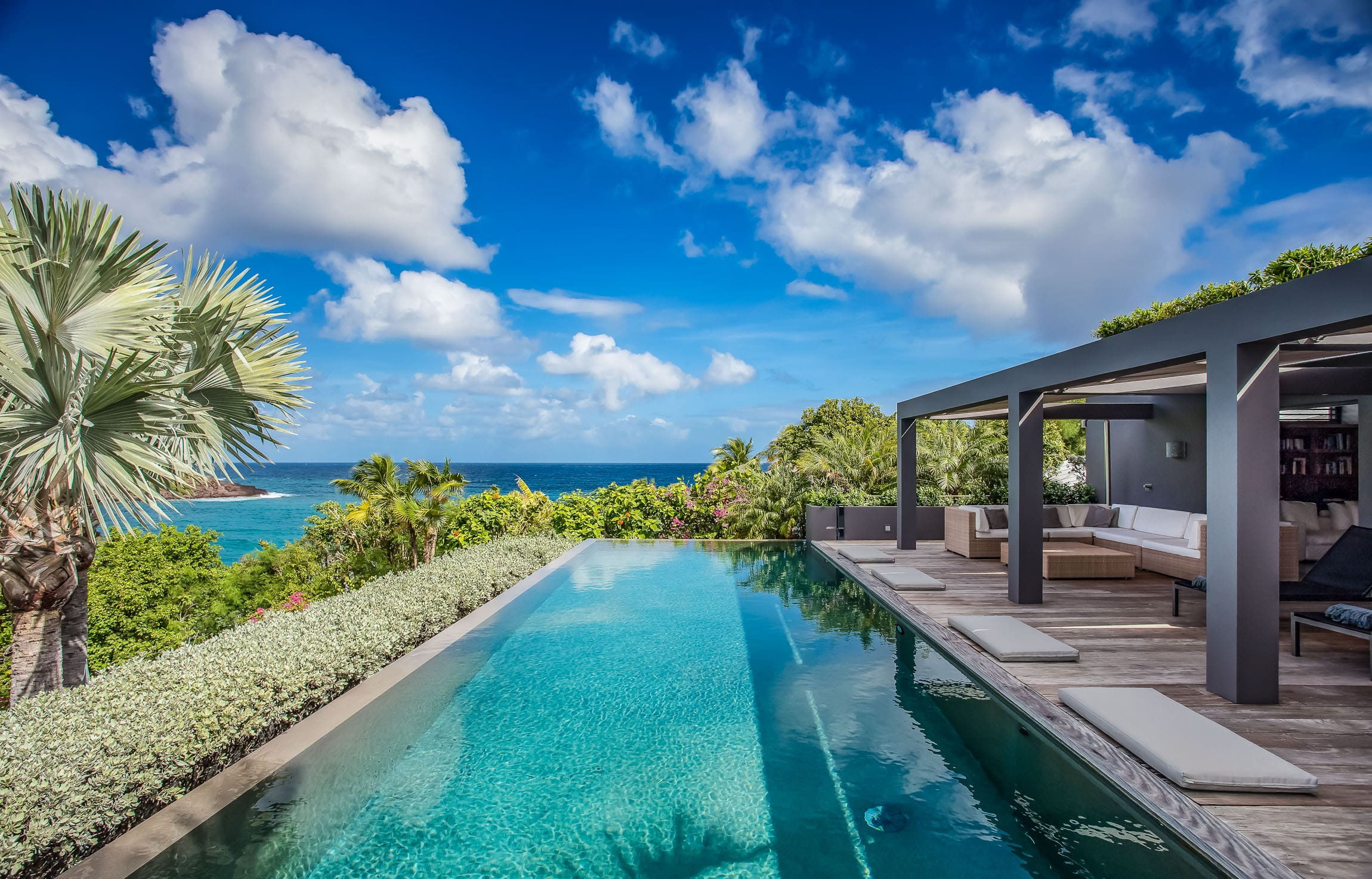 8 Reasons Why you Need to Visit St Barts
