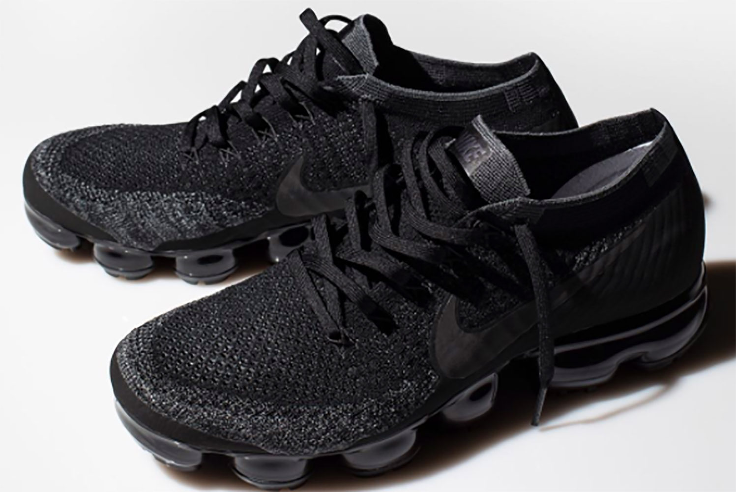 a detailed look at the super limited triple black nike air vapormax unknownmale. Black Bedroom Furniture Sets. Home Design Ideas