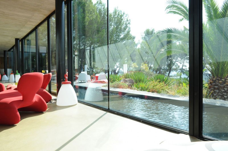 villa on the rocks france with aquarium pool 23 This Airbnb in the South of France Comes with a 91 Foot Aquarium Pool