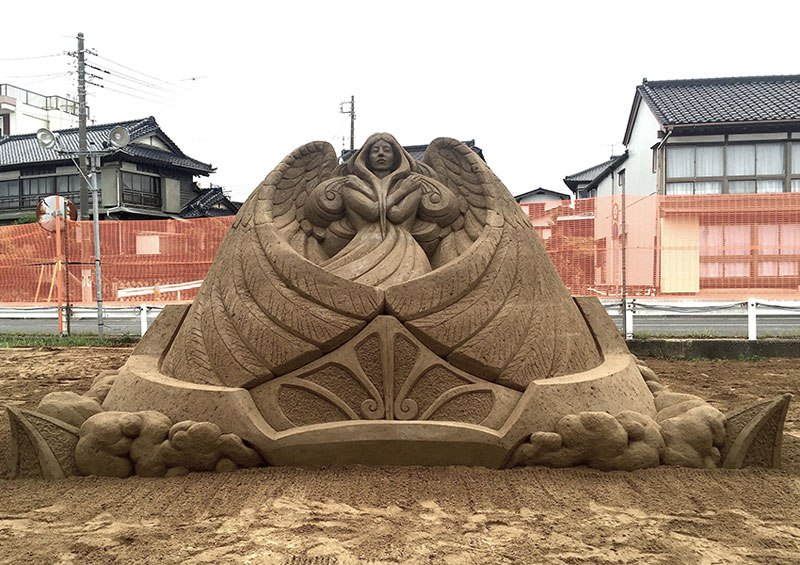 sand sculptures by toshihiko hosaka 10 Toshihiko Hosaka Creates Incredible Things Out of Sand