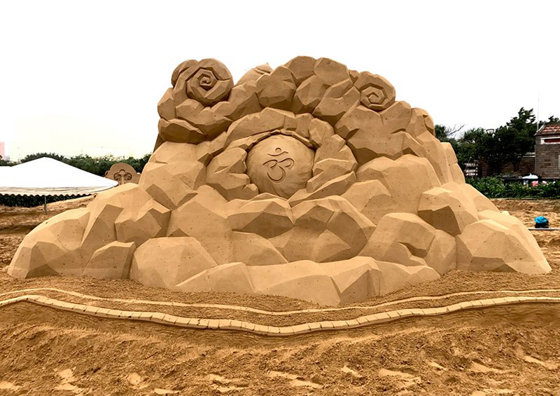 sand sculptures by toshihiko hosaka 16 Toshihiko Hosaka Creates Incredible Things Out of Sand