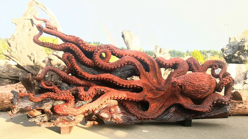 octopus carved from fallen redwood by jeffrey michael samudosky 9 Artist Transforms Fallen Redwood Into Giant Octopus (15 Photos)