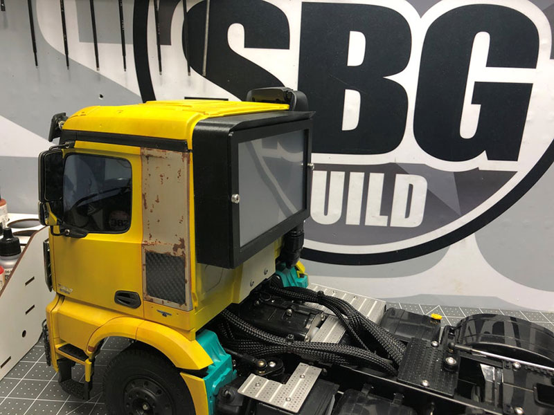 pc semi truck build reddit 5 This Remote Controlled Semi is Actually a PC (13 Photos)