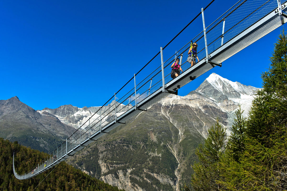 004  A National Geographic Tour of Interesting Bridges Around the World (8 Photos)