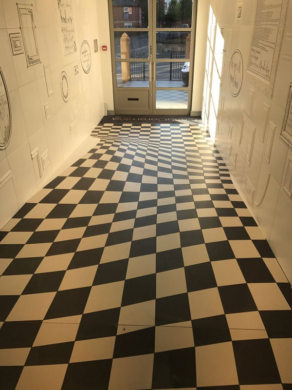 trippy flat floor entrance to casa ceramica tiles 3 A Completely Level Floor Made from 400 Individual Ceramic Tiles