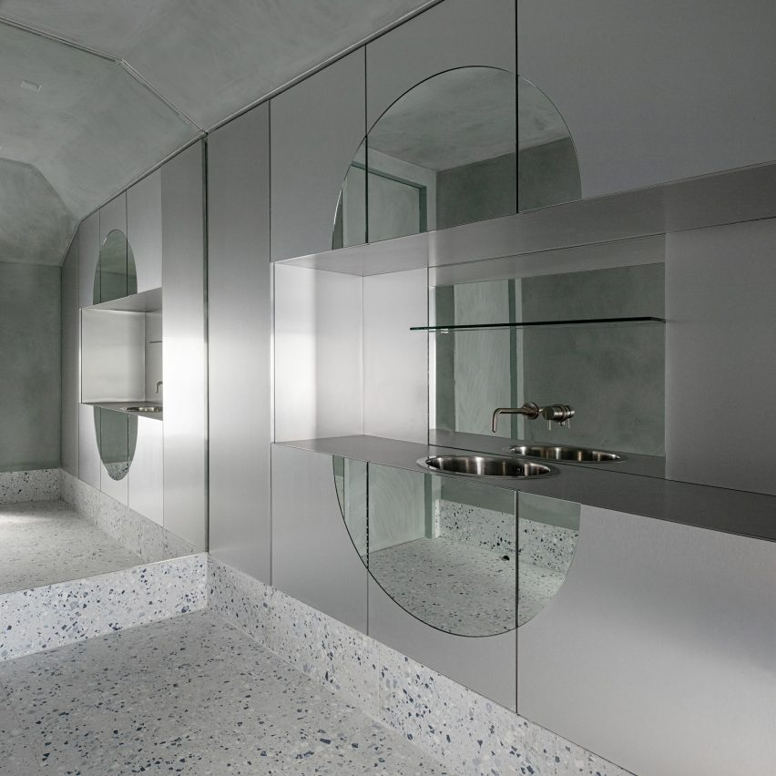 Stainless steel treatment rooms of Dublin skin clinic Fitzgerald Private Clinic by Kingston Lafferty Design